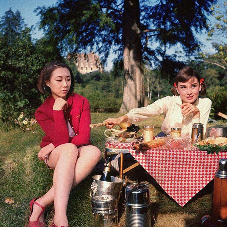 Silin Liu et Audrey Hepburn
